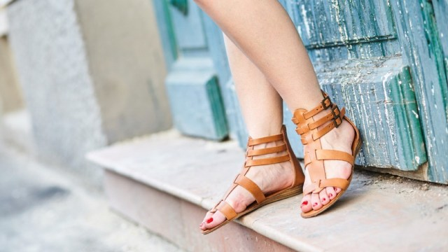 How to choose the perfect summer sandals for you