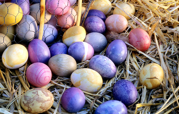 Make Natural Easter Egg Dye At Home With Everyday Ingredients