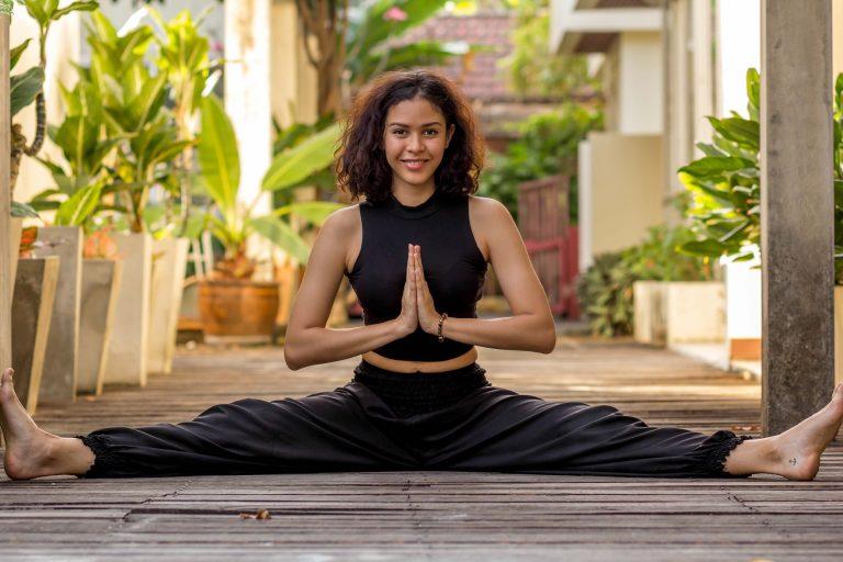 4 Reasons To Wear Harem Pants When Doing Yoga